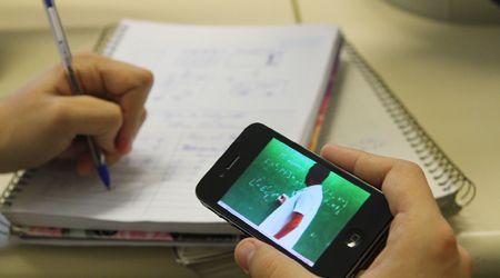 São Paulo aprova lei que libera celular em sala de aula